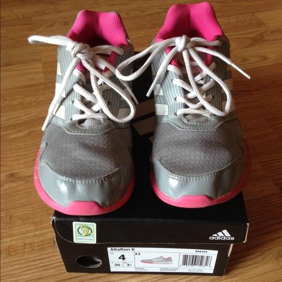 new product b55bc b48a8 adidas Other - Like new Adidas girls Alta Run K sz 4 running